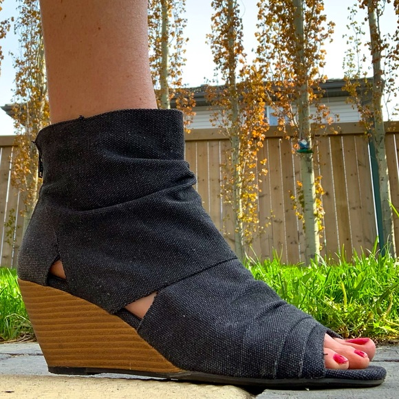 American Eagle Canvas Wedge Open-Toe Bootie